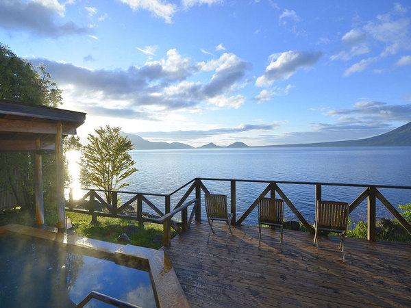 支笏湖を望む丸駒温泉露天風呂