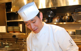 】2004年の創業当初から、丁寧な仕事とアイデアが評判の店主・大島庸司さん
